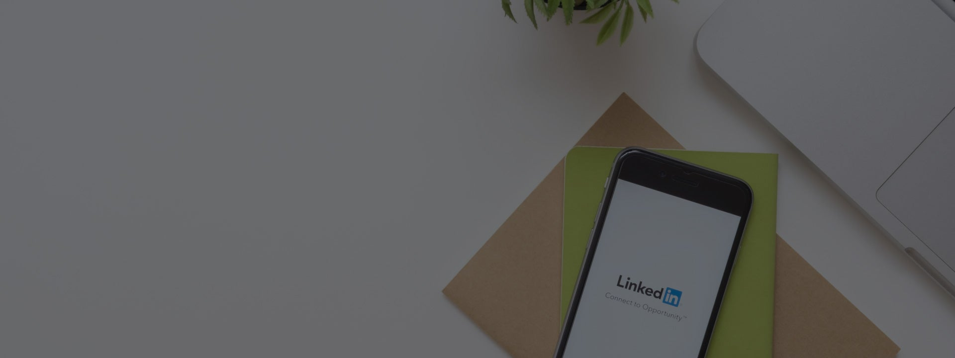5 Tips from LinkedIn Experts to Build Your Personal Brand in Data Science Background 1